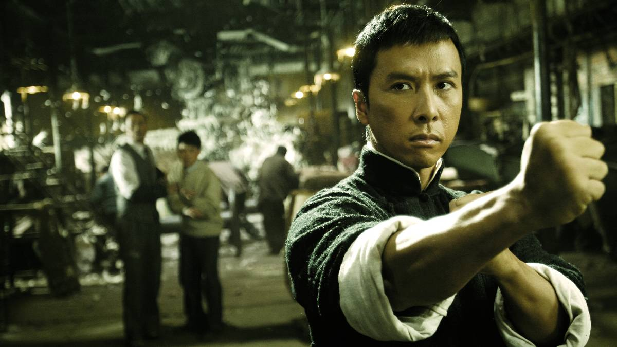 A screenshot from Ip Man, depicting Donnie Yen as Ip Man, posed ready to fight.