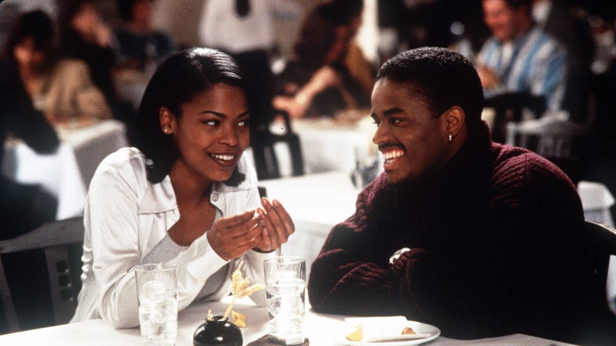 love jones Directed by theodore witcher with larenz tate, nia long, isaiah washington, lisa nicole carson darius lovehall is a young black poet in chicago who starts dating nina mosley, a beautiful and talented photographer.