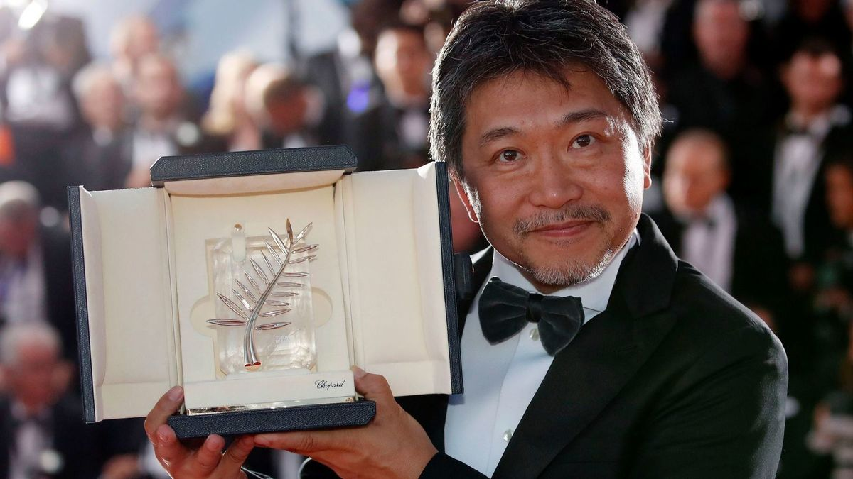 Hirokazu Koreeda receives the Palme d'Or